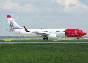 Norwegian Air Shuttle B737-800(WL) LN-DYD MUC.jpg