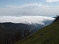 Nubes entrando en la sierra de Aralar.jpg