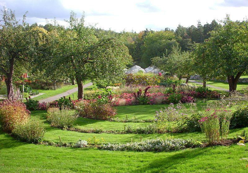 Nyckelviken trädgård 2011.jpg