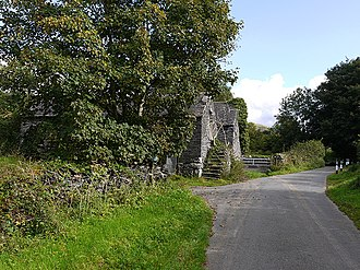 Abertrinant - Image: Old farm buildings at Tyddyn y berllan (geograph 2089995)