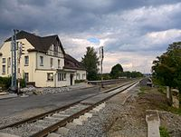 Olza train station - platforms - 2015-08-22.jpg