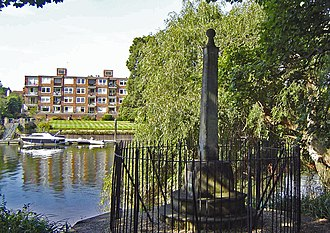 Port of London Authority - PLA boundary marker opposite Teddington
