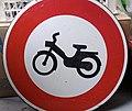 Panneau d'interdiction cyclomoteur WP 20130514 002.jpg