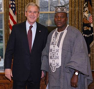 Paramanga Ernest Yonli - Yonli with President George W. Bush after presenting his credentials, January 22, 2008