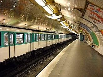 Mairie d'Issy (Paris Métro) - Image: Paris metro Mairie d'Issy 2
