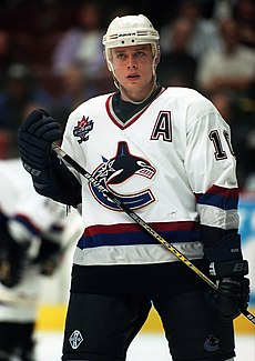 Pavel Bure in Canucks uniform.jpg