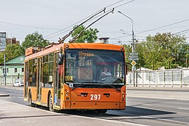 Perm asv2019-05 img19 trolley at Razgulay stop.jpg