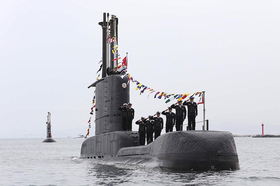 Peruvian submarine crew