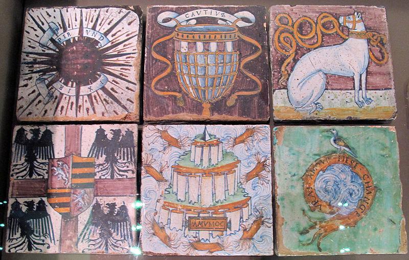 File:Pesaro, bottega di antonio fedeli, sei mattonelle con emblemi gonzaga dal pavimento dello studiolo di isabella d'este, 1493-94 ca..JPG