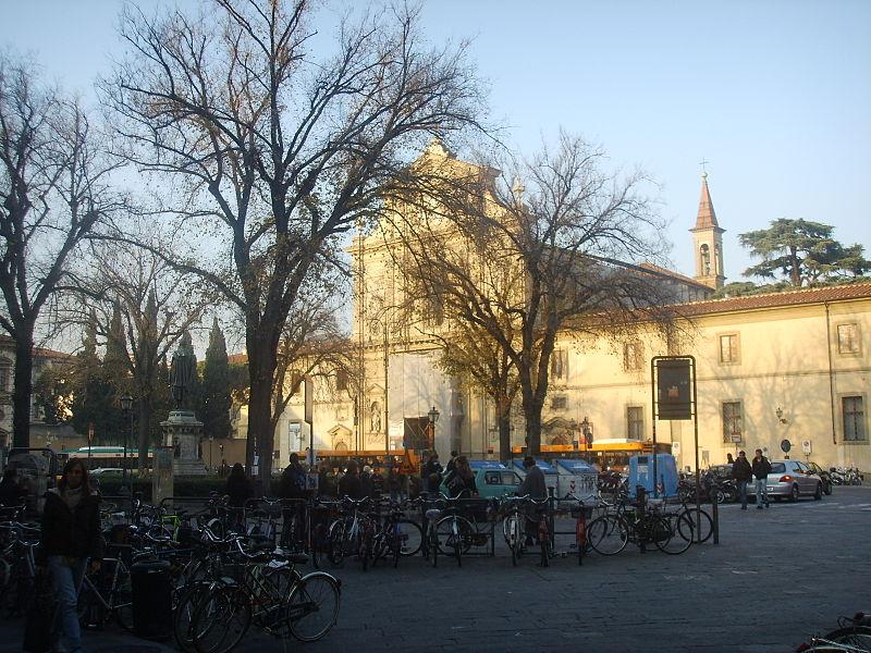 http://upload.wikimedia.org/wikipedia/commons/thumb/d/d8/Piazza_San_Marco22.JPG/800px-Piazza_San_Marco22.JPG