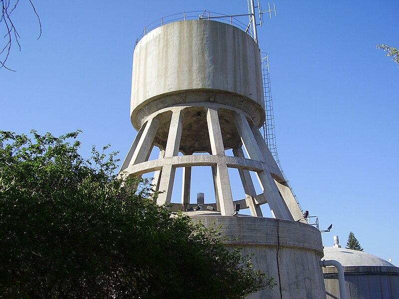 מגדל המים ברמת השרון