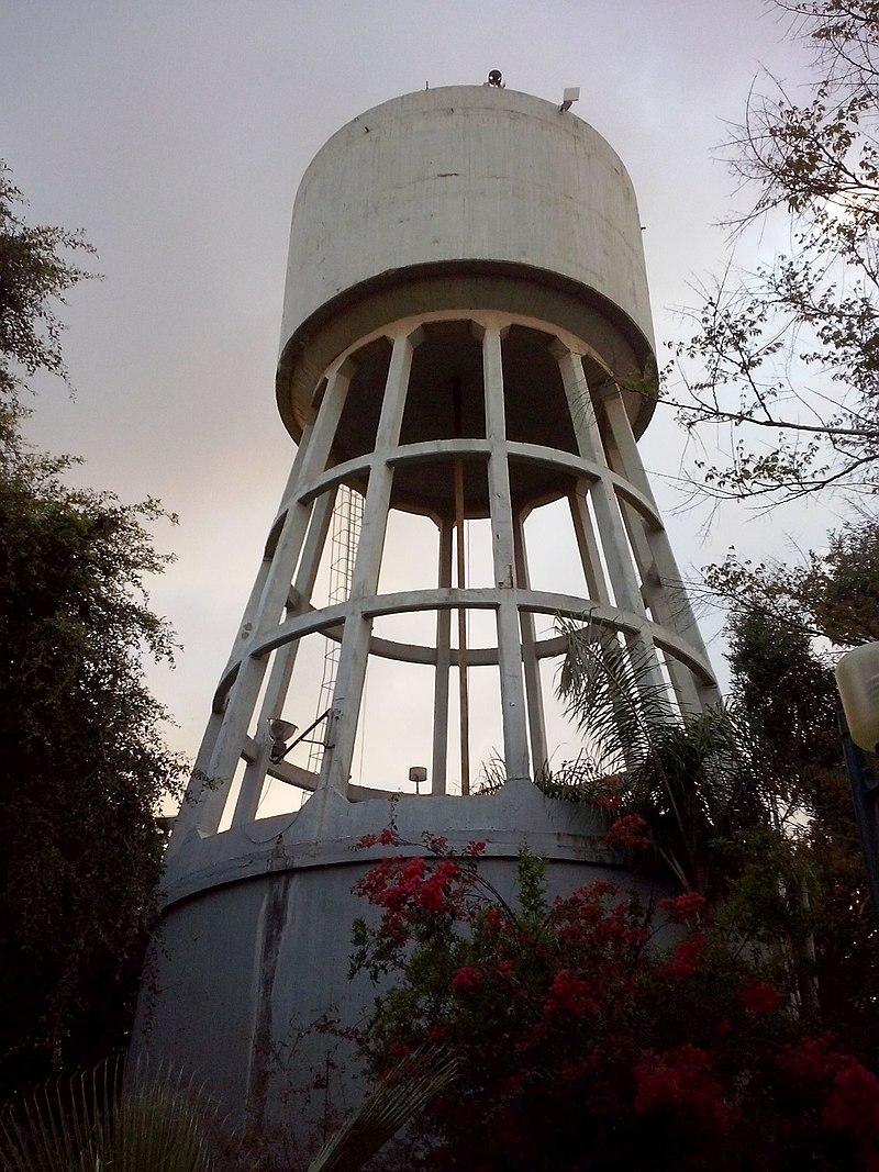 מגדל המים במזרח רעננה