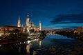 Pilar y río Ebro de noche.jpg