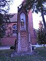 Pogrodzie, kapliczka przy kościele.JPG