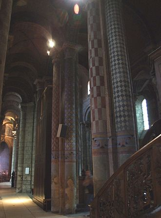 Église Notre-Dame la Grande, Poitiers - Columns in the nave