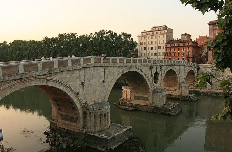 Ponte Sisto Rome.jpg