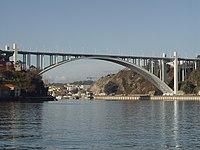 Ponte da Arrabida - Porto.JPG