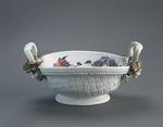 Porslin. Korg med blomsterdekor - Hallwylska museet - 89179.tif