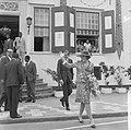 Prinses Beatrix en Claus in Suriname, verlaten hier Statengebouw te Parbo, Bestanddeelnr 919-3299.jpg