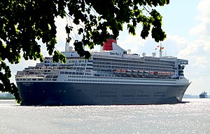 Queen Mary 2 at Stadersand, 13 May 2012 - 6.jpg
