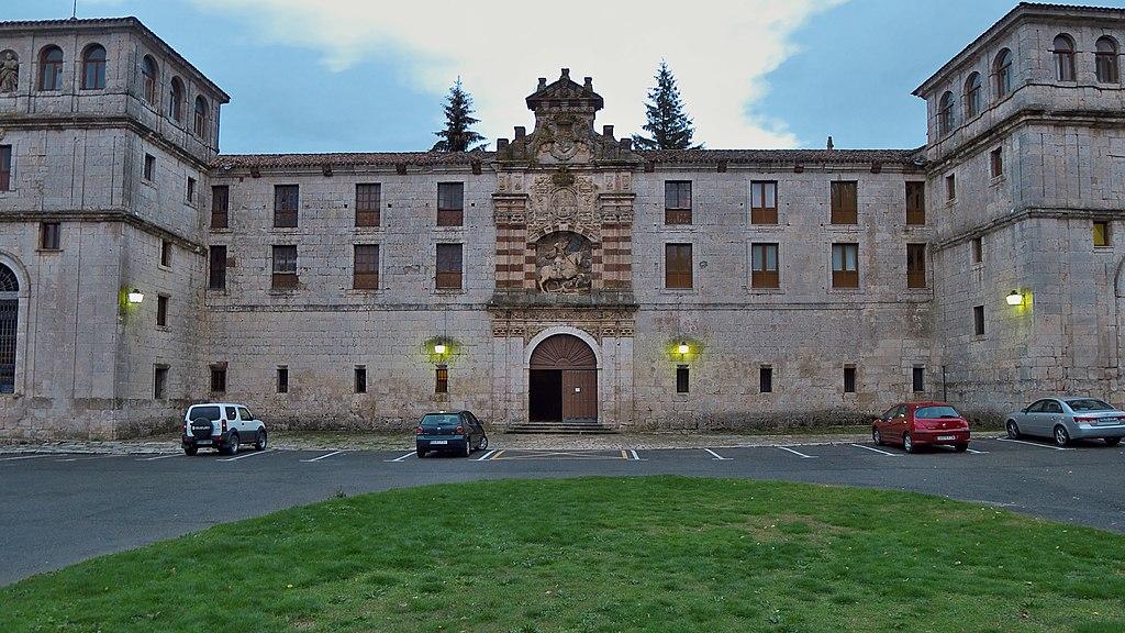Real Monasterio de San Pedro de Cardeña. Fachada principal.jpg