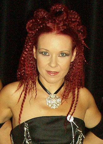 Regina (singer) - Regina (Slovenian song festival 2005)