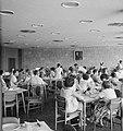 Rehovot Weizmann Institute interieur van het restaurant, Bestanddeelnr 255-3886.jpg