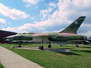 Republic F-105 Thunderchief USAF 24417 pic2.JPG