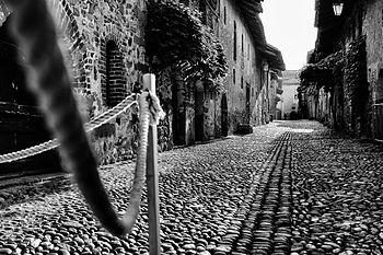Ricetto Medievale di Candelo Punto di vista.jpg