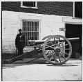 Richmond, Virginia. Federal soldier guarding cannon. (Modified 12-pdr. breech-loading Whitworth) LOC cwpb.02499.tif