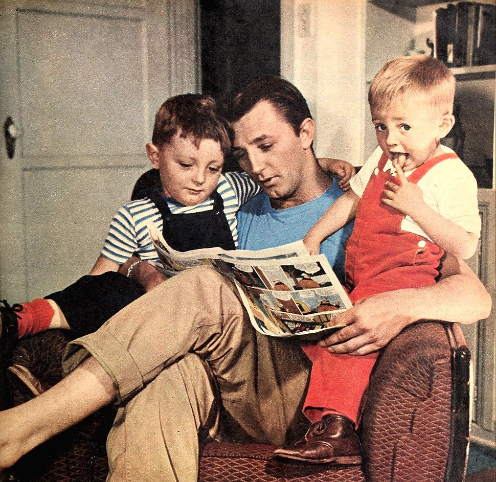 Robert Mitchum and sons 1946