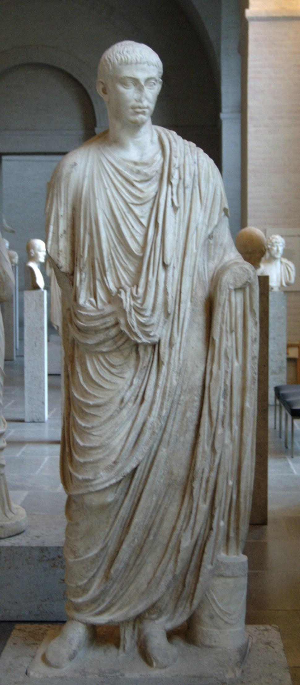 Roman toga 20-30 CE Glyptothek Munich