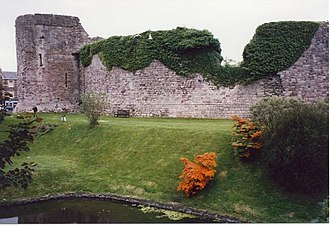 Olaf the Black - Ruinous Rothesay Castle on Bute. In 1230, Óspakr-Hákon led a Norwegian-Orcadian-Hebridean fleet which successfully stormed the castle. A mediaeval source states that the defenders used boiling pitch and lead against the attackers who hewed at the castle's walls with their axes.