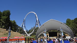 Full Throttle (roller coaster) - Entrance to Full Throttle with the 160 foot loop