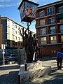 SP32 Statue in Tordesillas 21 09 2012.JPG