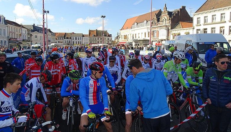 Saint-Amand-les-Eaux - Paris-Roubaix juniors, 10 avril 2016, départ (C05).JPG