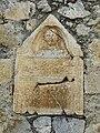 Saint-Bertrand-de-Comminges porte Majou cippe.JPG
