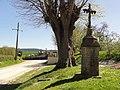 Saint-Maigner (Puy-de-Dôme) croix de chemin près de la cimetière.JPG