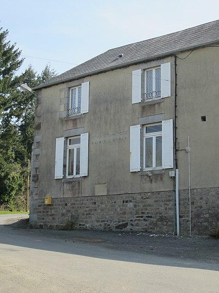 Fr:Saint-Maur-des-Bois