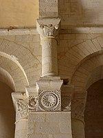 Saintes (17) Basilique Saint-Eutrope Intérieur Chapiteau 15.JPG