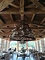 Salle extérieure du restaurant du golf de Gassin.jpg