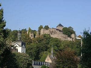 Sayn Castle - Image: Sayn mit Burg