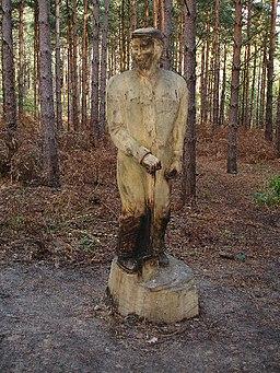 Sculpture in Broxbourne Woods. - geograph.org.uk - 77916