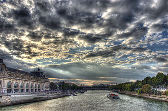 Outline of France - The Seine as seen from the Pont Royal