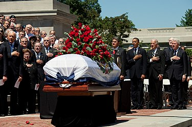 United States President Barack Obama, Vice President Joe Biden, former President Bill Clinton, West Virginia Governor Joe Manchin and members of Congress attended the memorial service for Byrd at the State Capitol in Charleston, West Virginia, on July 2, 2010. Senator Byrd funeral service.jpg
