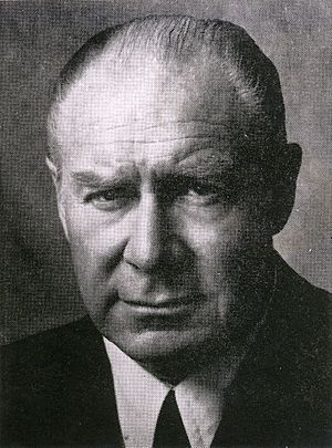 Sergio Onofre Jarpa - Image: Sergio Onofre Jarpa (1965) cropped