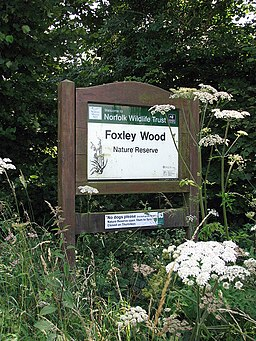 Sign at the entrance to Foxley Wood - geograph.org.uk - 895705