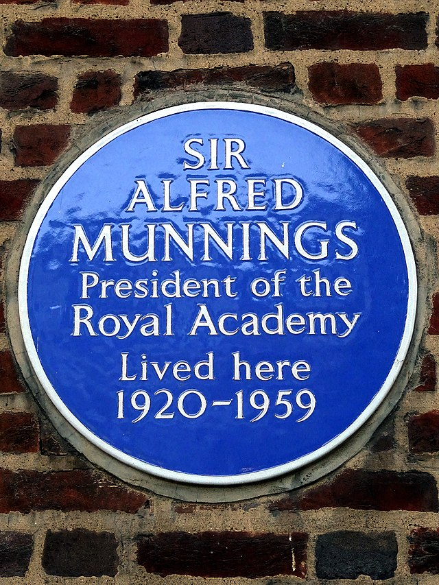 Alfred Munnings blue plaque - Sir Alfred Munnings President of the Royal Academy Lived here 1920-1959
