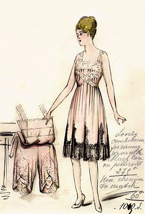 Slip (clothing) - Design of a slip in 1916 by the House of Worth