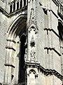 Soissons (02), abbaye Saint-Jean-des-Vignes, abbatiale, tour sud, 1er étage, niches à statues à l'angle sud-ouest.jpg
